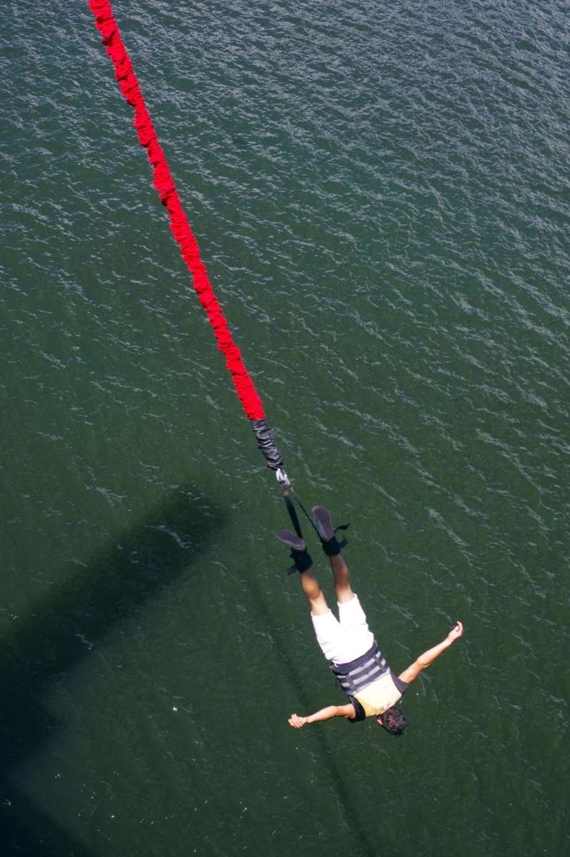 Dique Cabra Coral - Bungee jump © Mllepix