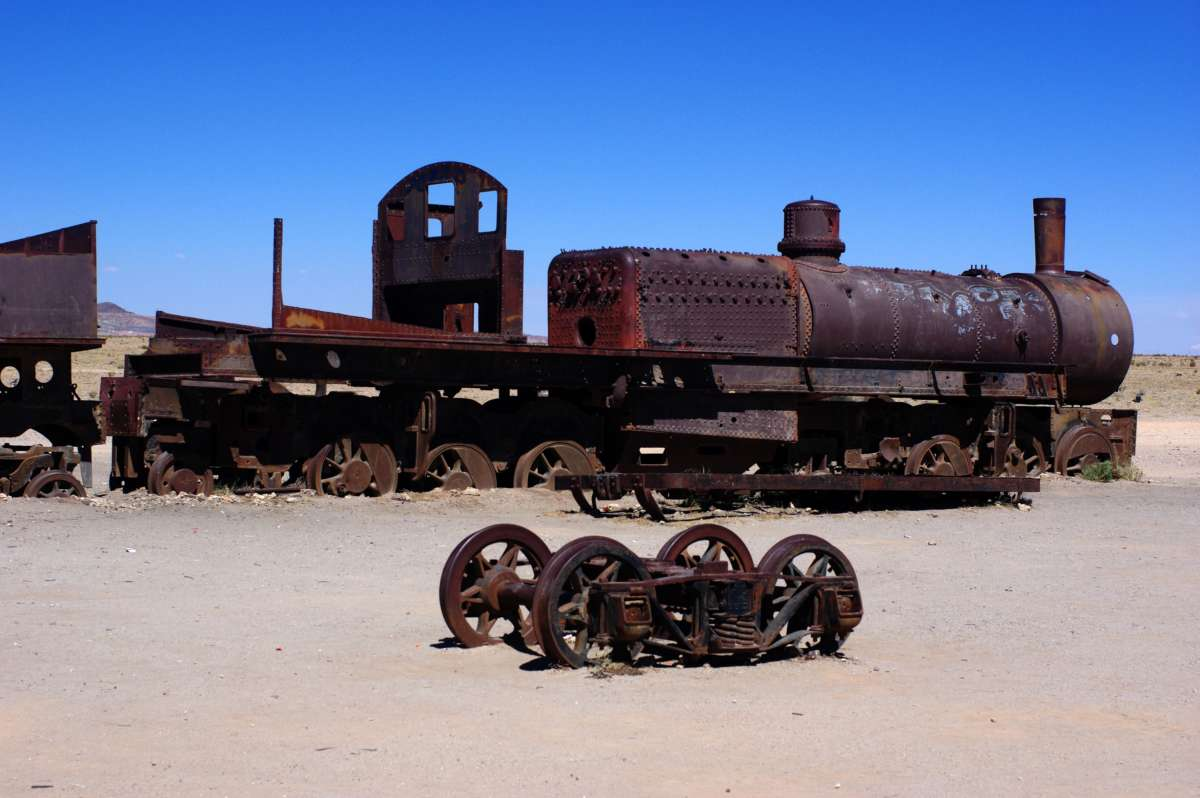 Train cemetery- Uyuni - Bolivia © Mllepix
