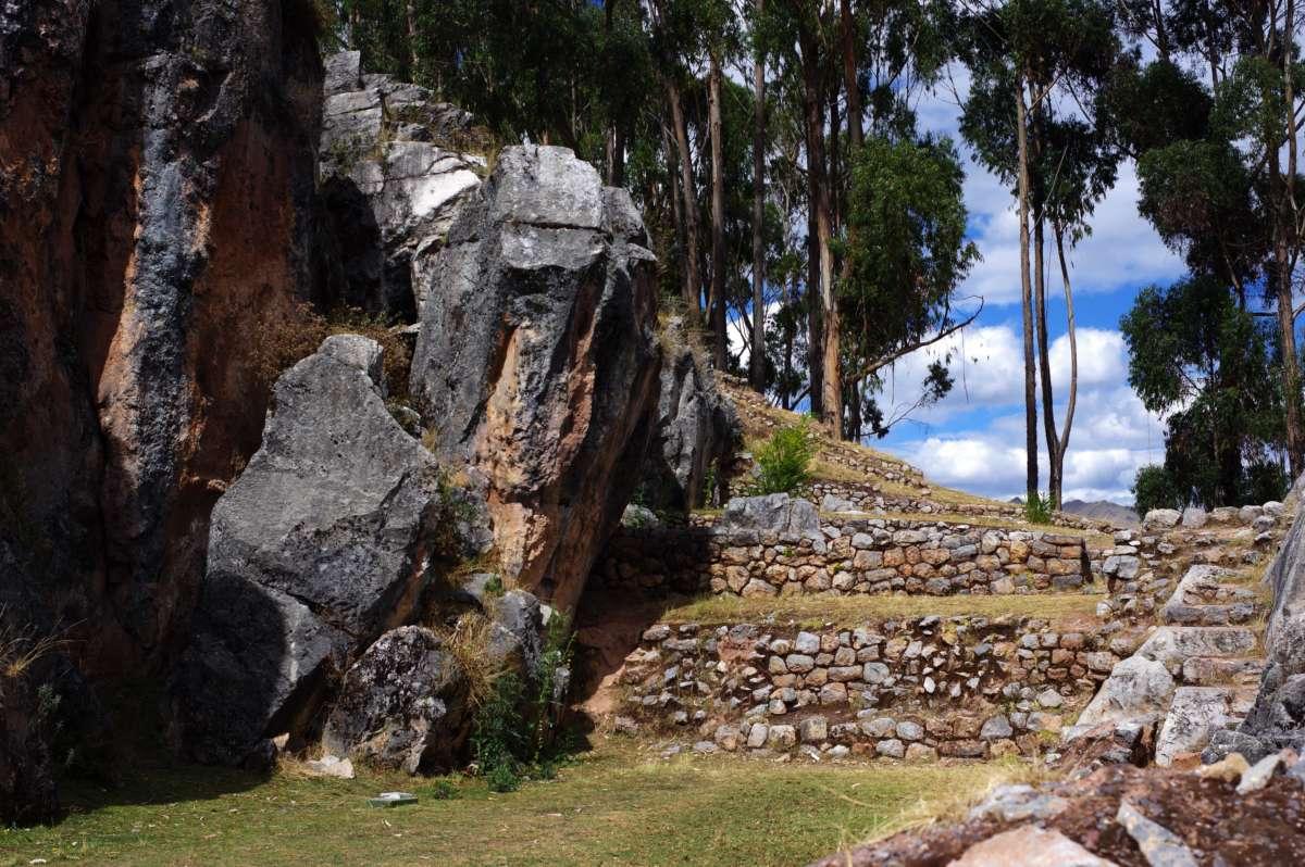 Qenqo - Cuzco - Peru © Mllepix