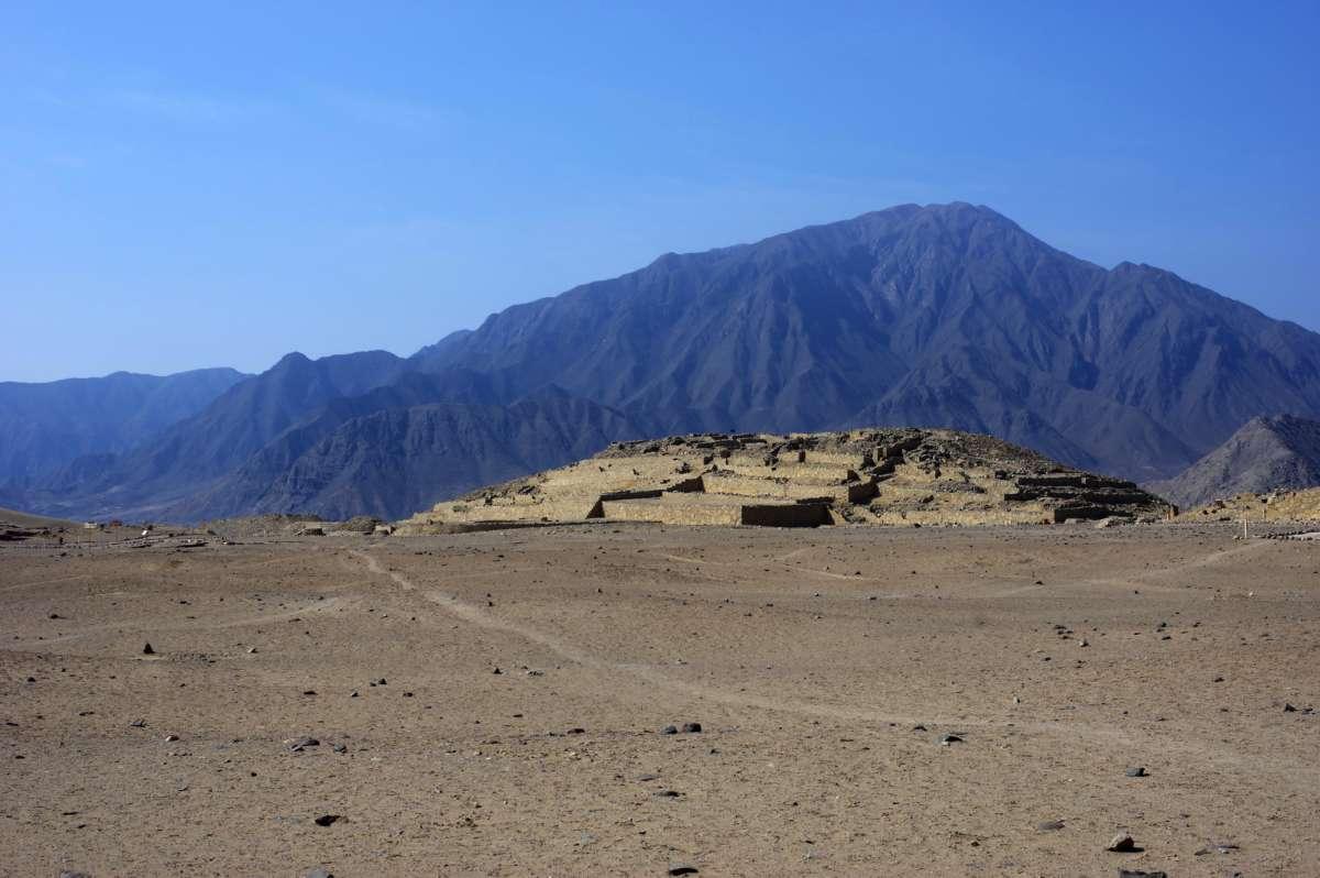 Caral - Lima - Peru © Mllepix